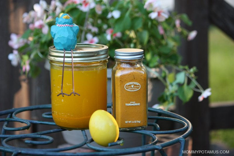 natural-easter-egg-dye-turmeric