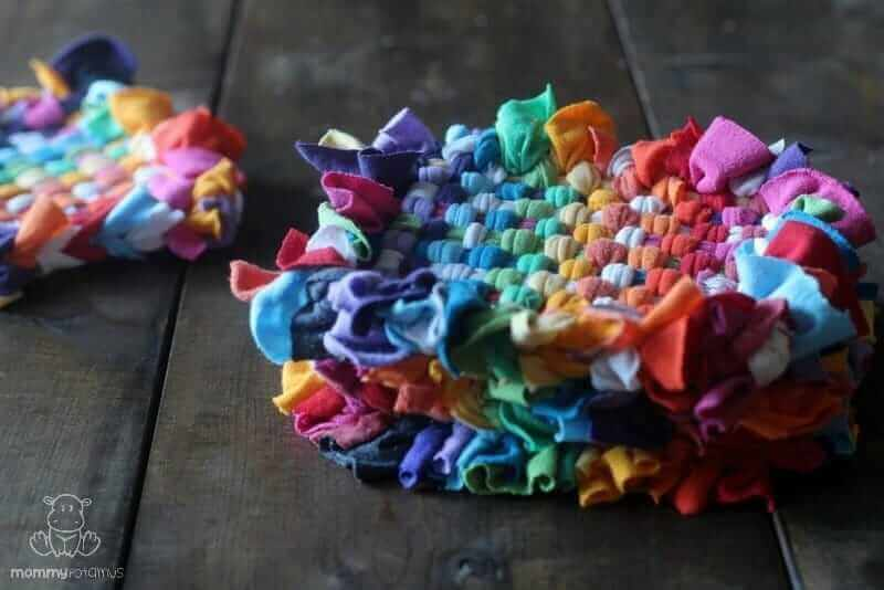 DIY Recycled T-Shirt Potholders #upcycled #t-shirtcrafts #diy