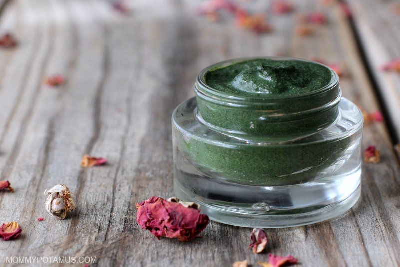 Seaweed Mask Recipe With Kelp And Chlorella - Seaweed contains more minerals than just about any source, and studies have shown that topical applications of 1% extract support collagen production. A seaweed facial at my local spa costs $175, but I can get one every week for about $0.25 - $0.35 with this recipe.