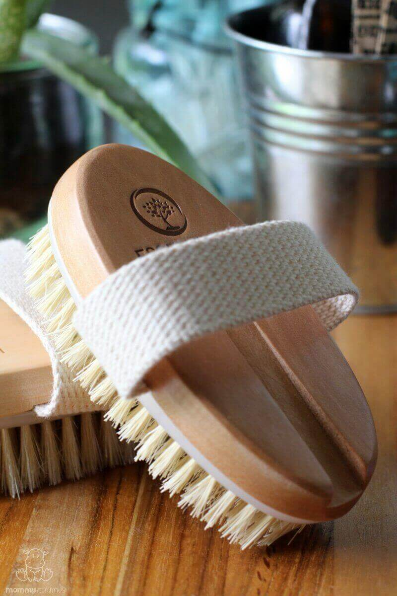 5 Benefits Of Dry Brushing And How To Do It