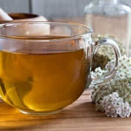 8 Benefits of Yarrow – And How To Use It In Your Kitchen